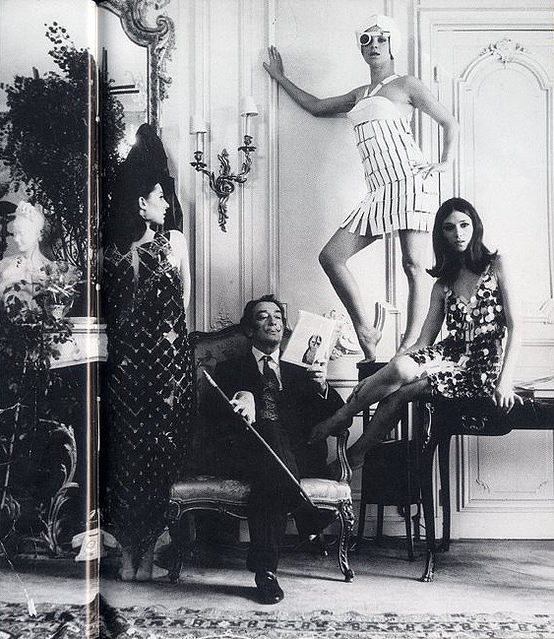 salvador-dali-with-models-wearing-paco-rabanne-1960s